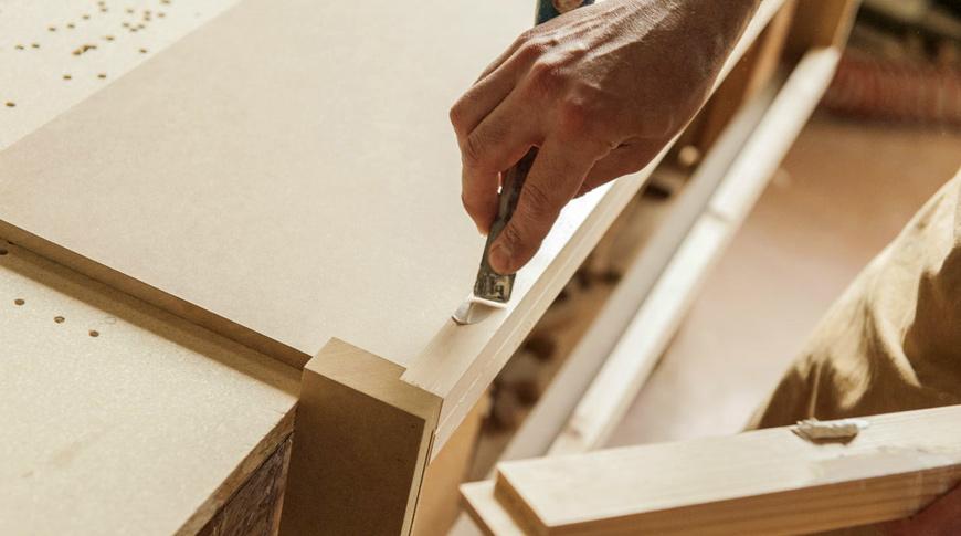 falegname-lavorazione-legno